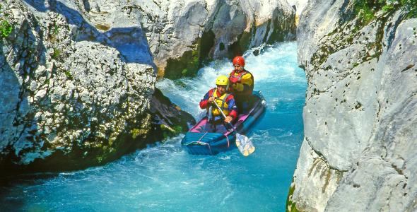 River_Soča_Slovenia_Pecold  Shutterstock.com
