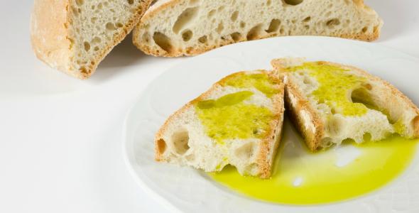 Olive_Oil_Bread_Appetizer_Istria