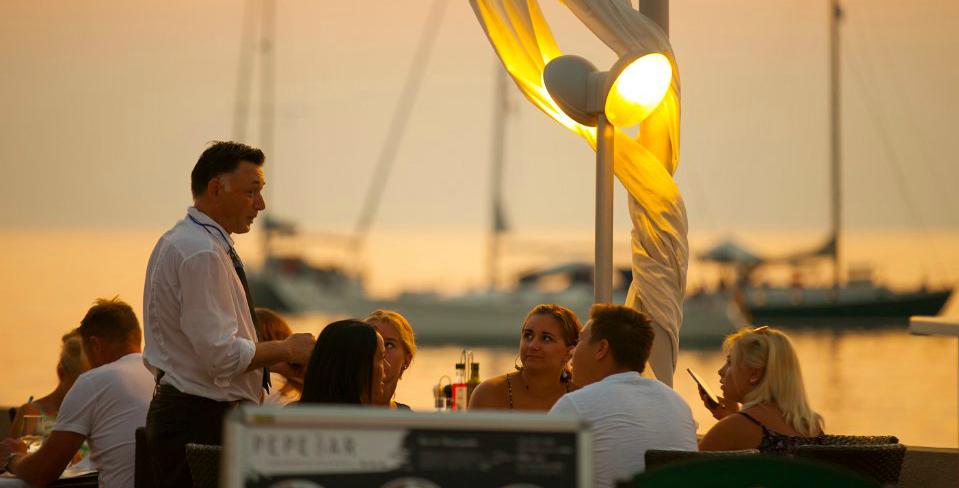 Novigrad_Istria_bar